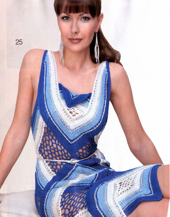 farklı modelde üç renkli bayan elbise modeli