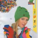 yeşil renkli boncuk süslemeli örgü şapka