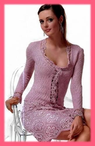 çiçek motifli göğüs dekolteli bluz ve etek modeli