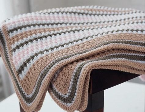 çizgili renkli örgü battaniye