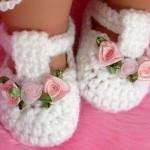 örgü beyaz bebek ayakkabısı
