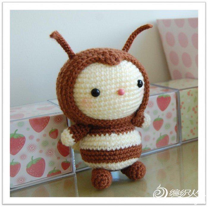 örgü oyuncak arı modeli