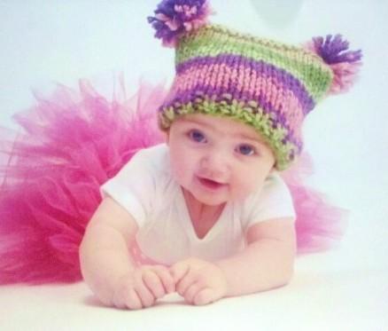örgü ponponlu bebek şapkası