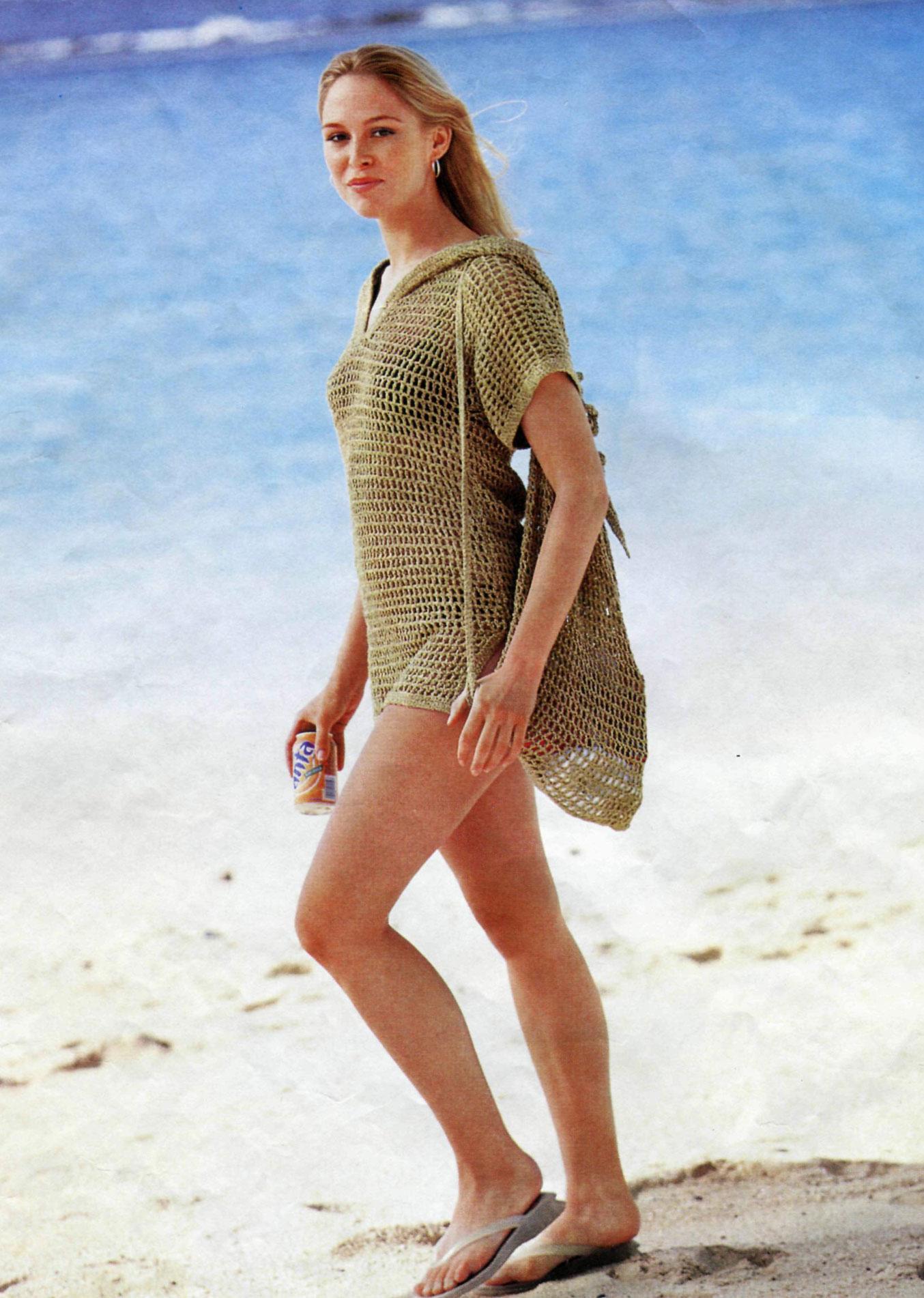 file modelli v yakalı kapişonlu yazlık bluz modeli