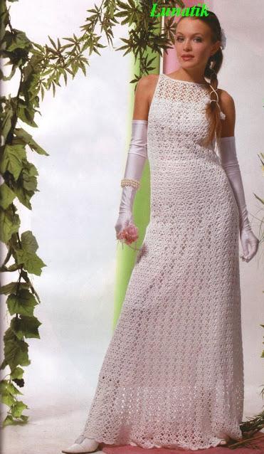 kolsuz beyaz renkli uzun elbise modeli