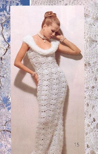 kolsuz uzun beyaz renkli elbise modeli