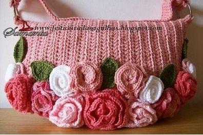 pembe renkli yazlık çiçek süslemeli örgü çanta modelleri