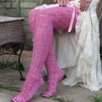 pembe uzun diz üstü örgü kurdeleli çorap