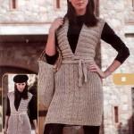 sıfır kollu düşük v yakalı örgü kemerli elbise modeli