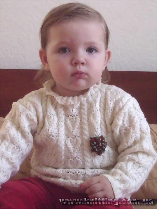 yarım boğazlı krem rengi kazak modeli