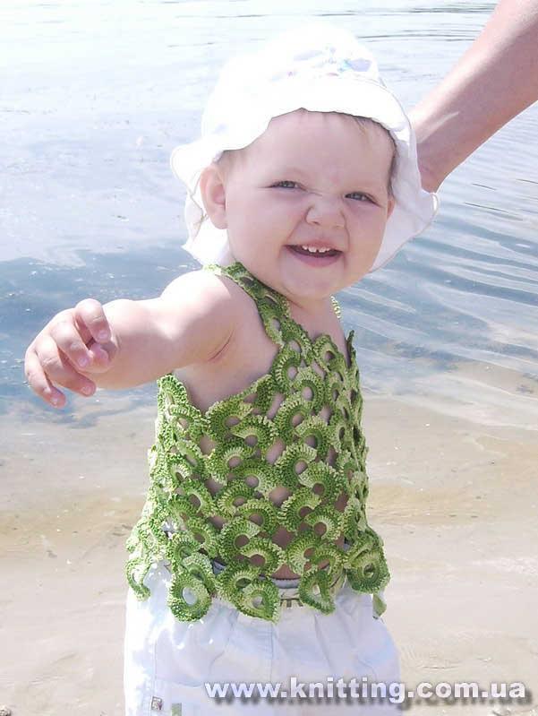yeşil renkli ebruli askılı bluz modeli
