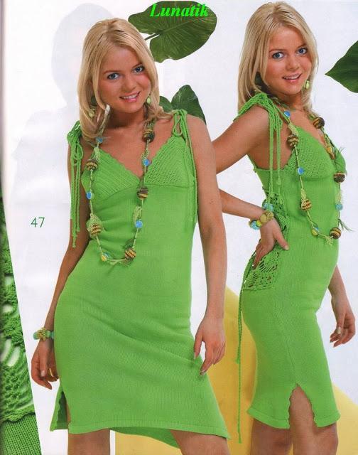 yeşil renkli yandan yırtmaçlı mini elbise modeli