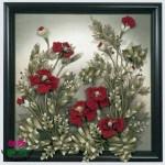 örgü çiçeklerle süslenmiş tablo modelleri