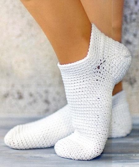 beyaz renkli örgü çorap modeli