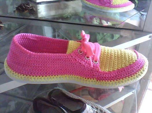 bağcıklı örgü ev ayakkabısı