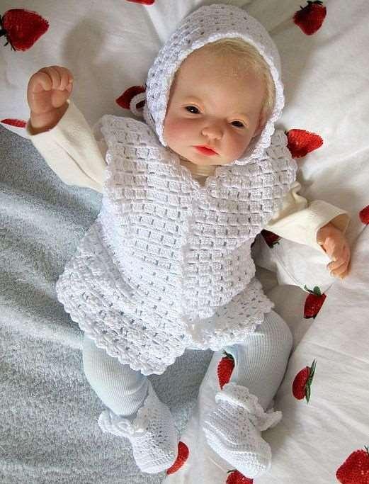 beyaz örgü bebek takımı