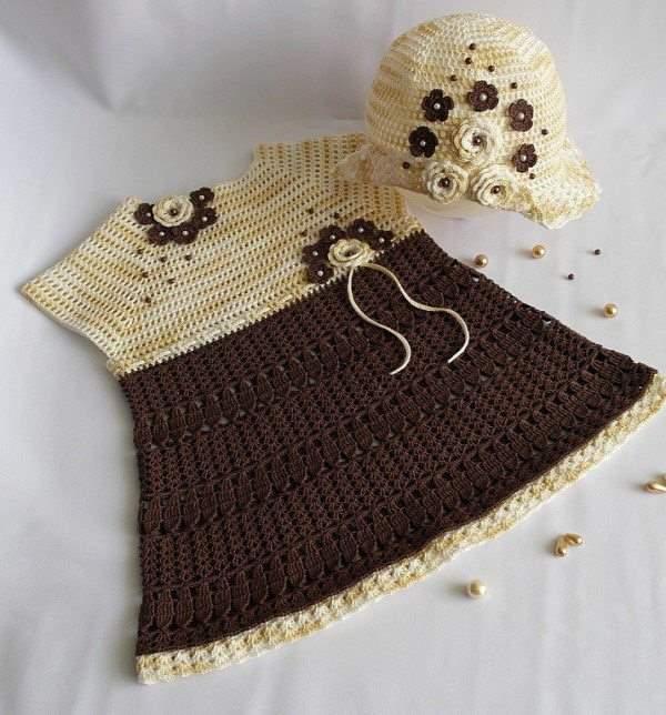 krem kahva örgü elbise ve şapkası