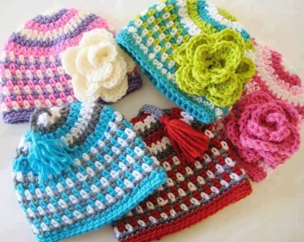 rengarenk gül motifli şapkalar