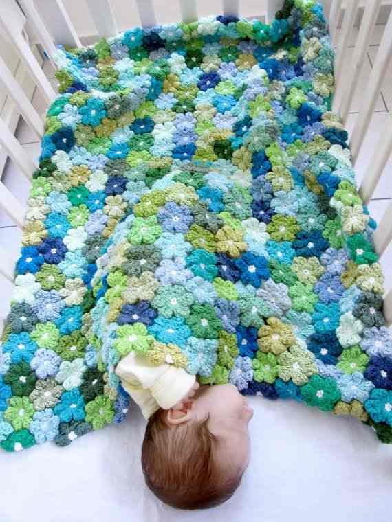 rengarenk motifli örgü bebek battaniyesi