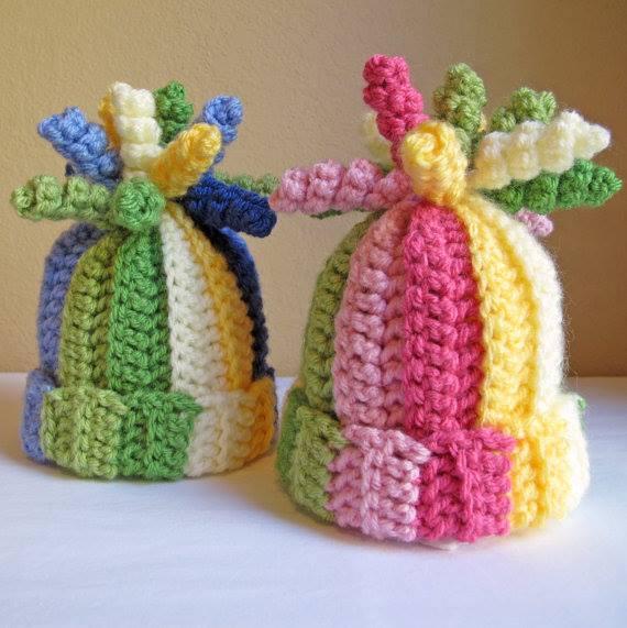 renkli kukuletalı şapkalar