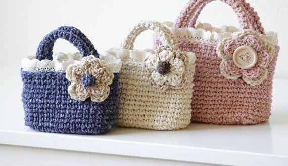 çiçekli renkli çantalar
