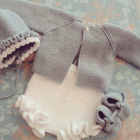 fırfırlı örgü külot hırka şapka ve patiği