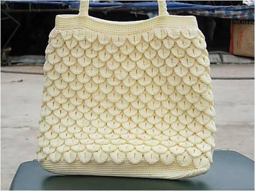 dışı yaprak şeklinde beyaz örgü çanta